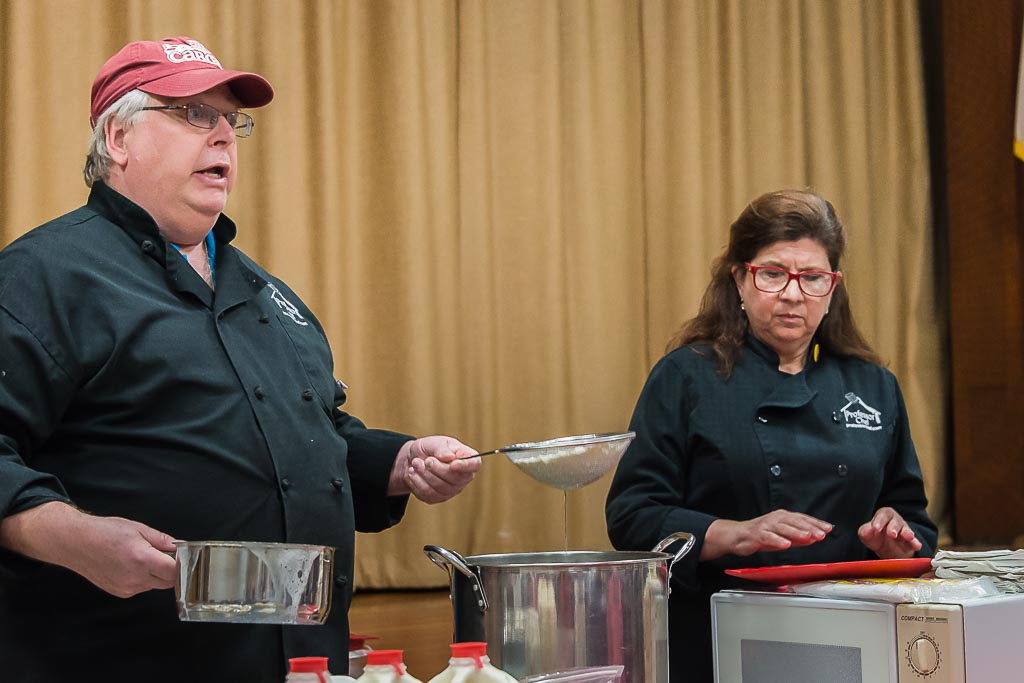 203-4026_Mixing_Mozzarella_at_Barr_Library_20150416.jpg