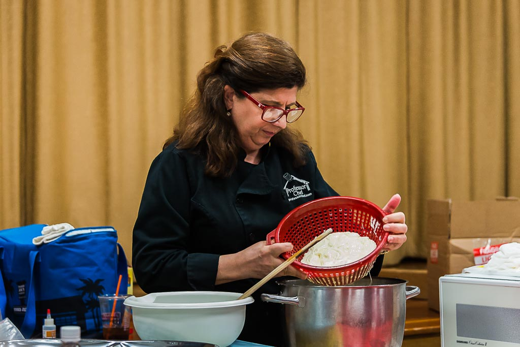 507-4065_Strain_Mozzarella_at_Barr_Library_20150416.jpg