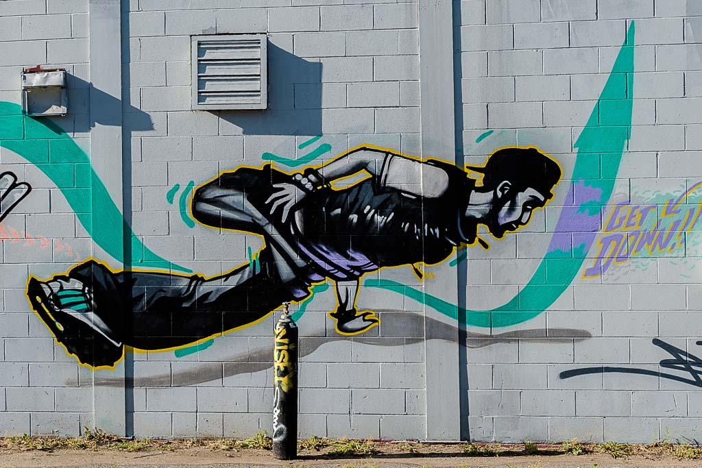 004-9357_graffiti_201405311