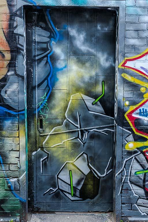 119-9412_graffiti_201405311