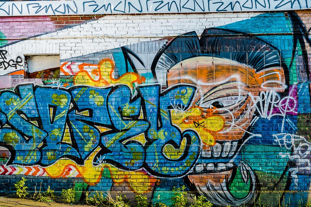128-9437_graffiti_201405311