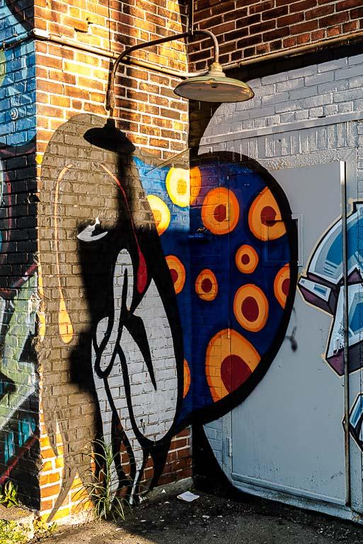 130-9444_graffiti_201405311