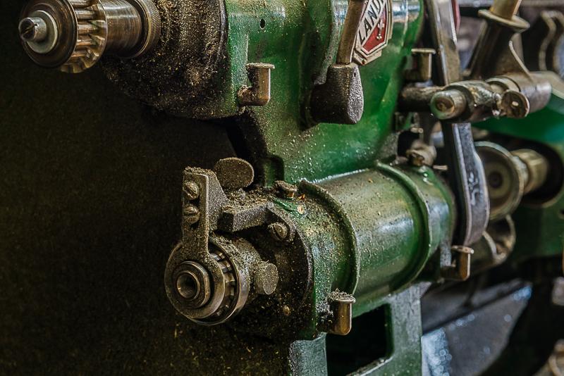 205-2306_Shoe_Repair_20141108-26