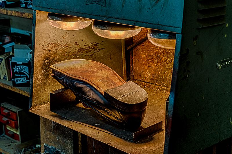 211-2276_Shoe_Repair_20141108-21