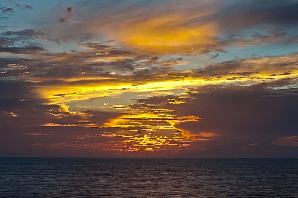 sunrise_cruise_ncl_ny_gem_3049